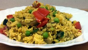 Arroz basmati al curry con verduras