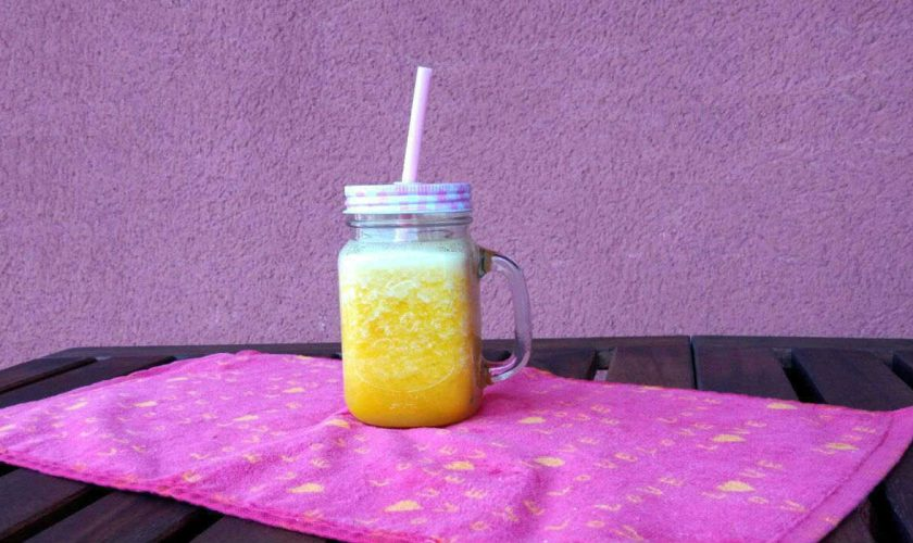 Batido detox de piña y naranja