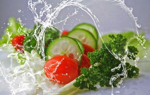 Vegetales lavados para una buena ensalada