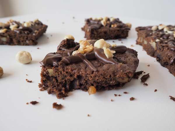 Brownie de chocolate sin huevo, sin leche y sin lactosa