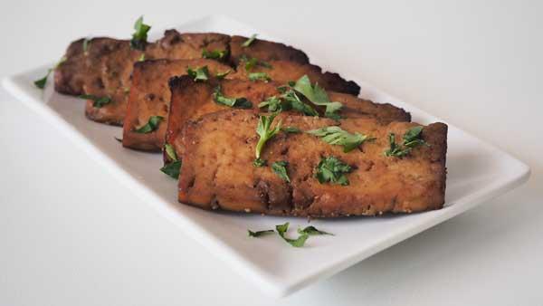 Como macerar el tofu con salsa de soja