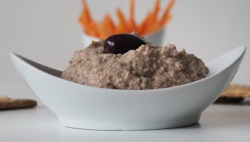 Hummus de kalamata