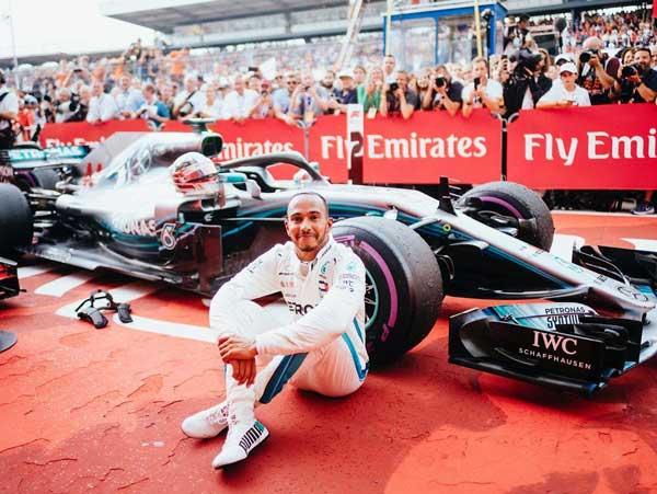 El piloto vegano de F1 Hamilton tras ganar un GP