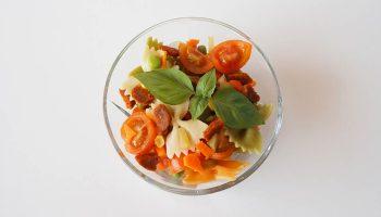 receta-ensalada-de-pasta-vegana