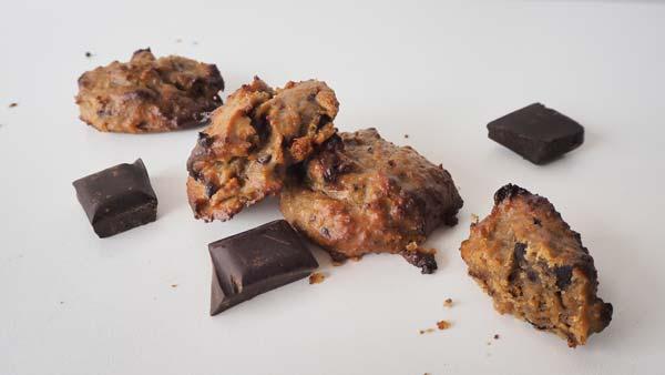 Cookies veganas sin gluten con garbanzos y chocolate negro