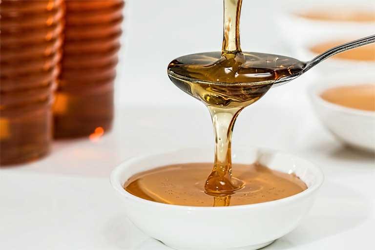 ¿Los veganos pueden comer miel?