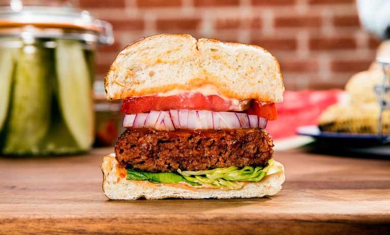 Bocata vegano con Beyond Meat