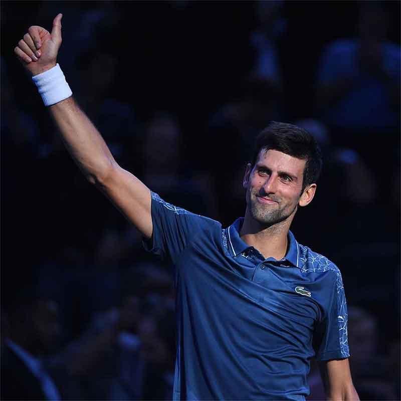 Djokovic saluda el publico